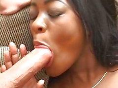 Black Teen Sexy 1er Anal MMF Interracial