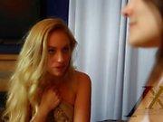 Étape sœur et faire chanter son amant lesbienne Adria Lyra