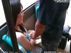 автобусы выродка досаждать невинную девушку 04