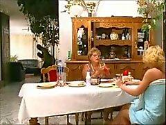 Italiano madre ed non la nonna farsi scopare dai banditi