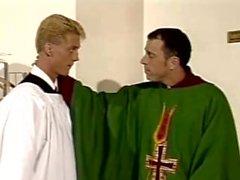 Священник и его прислуживал