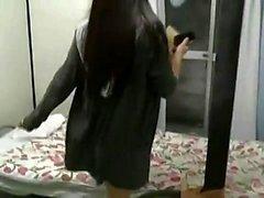 Сексуальная японская красотка с волосатой киской без цензуры