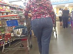 Mature PAWG in Market (Bend)