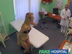 FakeHospital Tek sarışın doktorlara kalın horoz ve yetenekli dil ağırlıyor