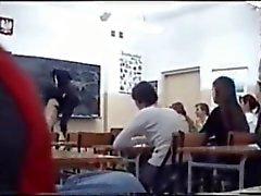 Nackt IM Klassenzimmer - Обнаженная на уроке