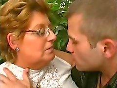 BBW anneannegenç yarak seviyor
