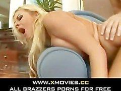 De sperme faciale pour Hot Blonde Riley2