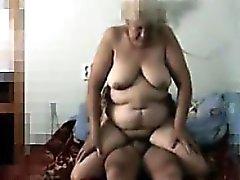 Russa cazzo fin Granny filmato in segreto