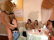 Adorable filles sucer 10-pounder sale de strip-teaseuse