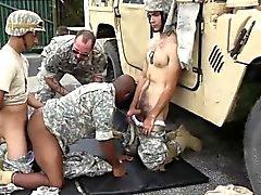 Туалет багажа Gay секс люди трахать Взрывы , неудачи, и наказанию