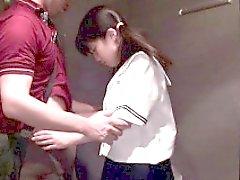 Asianteen col codino succhiatori a corridoio