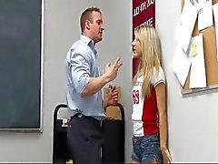 InnocentHigh Leraar neukt smalltits blonde tiener