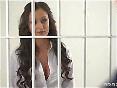 Bello medico che eccitata Keira notturna fucked hard in galera per carcerato