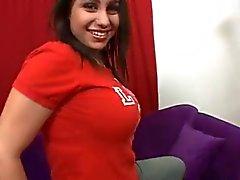 Casting Rondborstige brunette 's ... F70