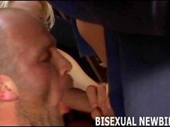 Sizin ilk emmek biseksüel ve lanet şaşırtıcı olacaktır