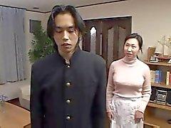 Japanin äiti Taken By poika ystävä