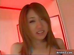 Hot japonesa gata fode-se com grande dildo censura