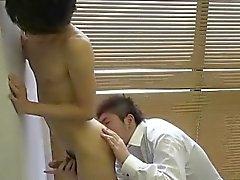 Японцы женоподобный мужчина осел окантовкой