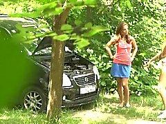 Vankeudessa Girlfriend liimautua Woodsissa