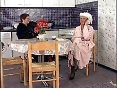 Oynayan İki grannies