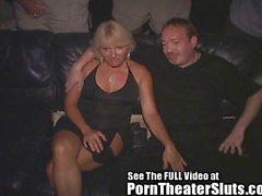 Жесткое порно Gangbanged При театром порно