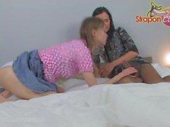 StraponCum: Anal Pantyhose. Osa 1 4. mustat sukkahousut tuoda esiin ...