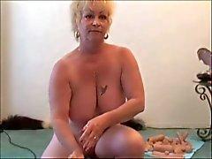 Kaksi Isoäidit - Yksi Sybian - Granny squirts