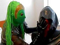 маска куклы играют 2