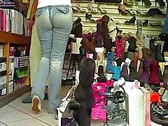 come culo casada comprando en tienda
