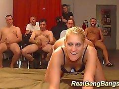 mager Engelska Tyska in vilt Gang orgie