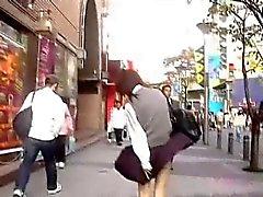 Japanischen Mädchen mögen Luftbädern nehmen Sie