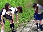 【JAPON】 peeing peeping pii pis écolière mignon
