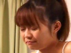Close up extremo de asiático bebês rimjob