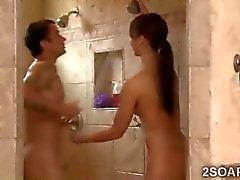 Der dünnen Schönheitssorgfaltart Massage Schwestern Ehegatten