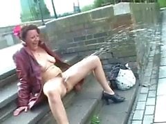 Upskirt öffentlicher Masturbation und nackten Außen blink uk reifer Amateur