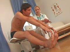 CFNM enfermeira e seu paciente