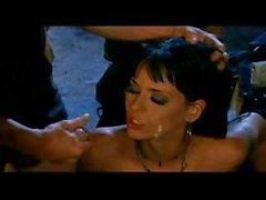 Babe brune Simony Diamond souffle robinets , baisée et de des bouchées