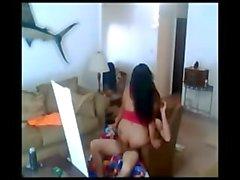 Alto gritando asiática esposa fodido em uma cadeira
