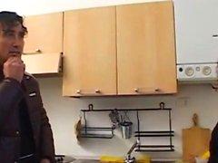 Милф занимался сексом с водопроводчиком дома - Pt2 На HDMilfCam, com