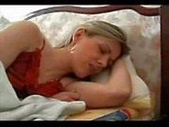 Russische junge gezwungen mom zu ficken und schlucken cum