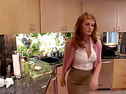 J ter de Faye Reagan - naughty- bonne d'enfants de 3