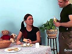 Styvbror att förföra Tysk för steg - syster för att knulla kök