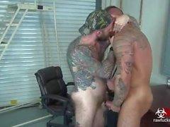 Принимая Fat Daddy Dick