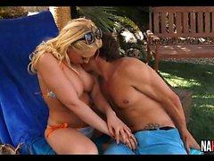 Gorgeous Blonde Outdoor Fuck Kagney Linn Karter