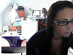 Hiostava ruskeaverikkö sihteeriksi silmälaseja paljastaa itselleen t