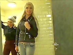 Doppel POV ( Zwei deutsche Babes ) Öffentliche McDonalds WC