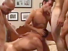 Montés à cru Gang bang approximative rencontres foret anal