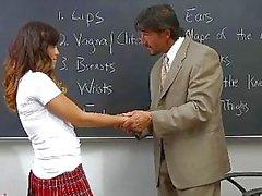 Asyalı öğrenci genç Alliyah Sky topl InnocentHigh