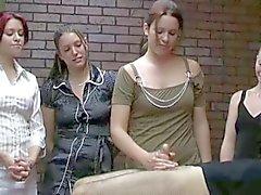 Sarsıntılı ofis kızlar