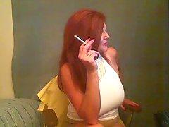 Big Tit Redhead Fumar